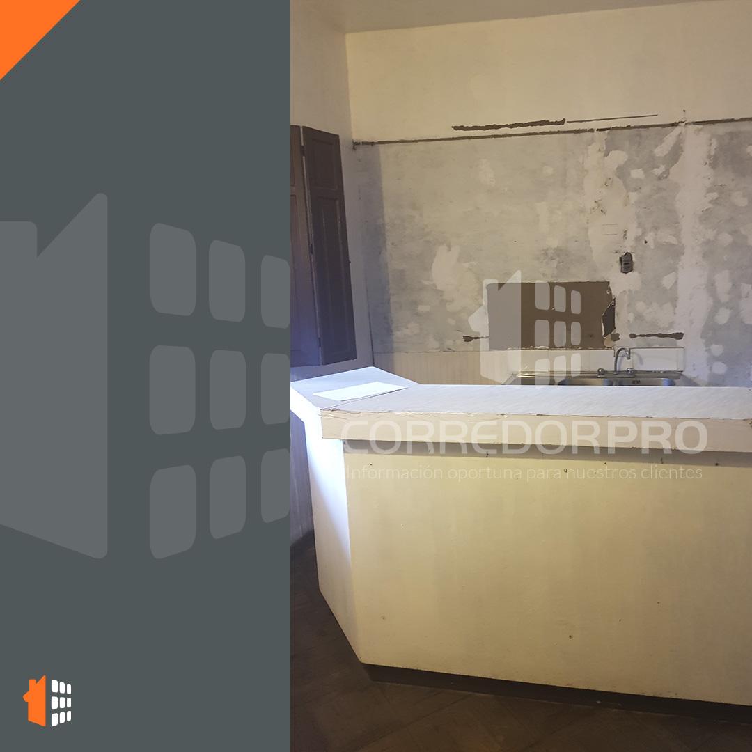 Santiago, Región Metropolitana, 6 Habitaciones Habitaciones, ,2 BathroomsBathrooms,Casa,En Arriendo,1179